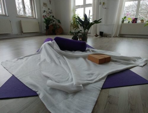 Yin Yoga live via ZOOM